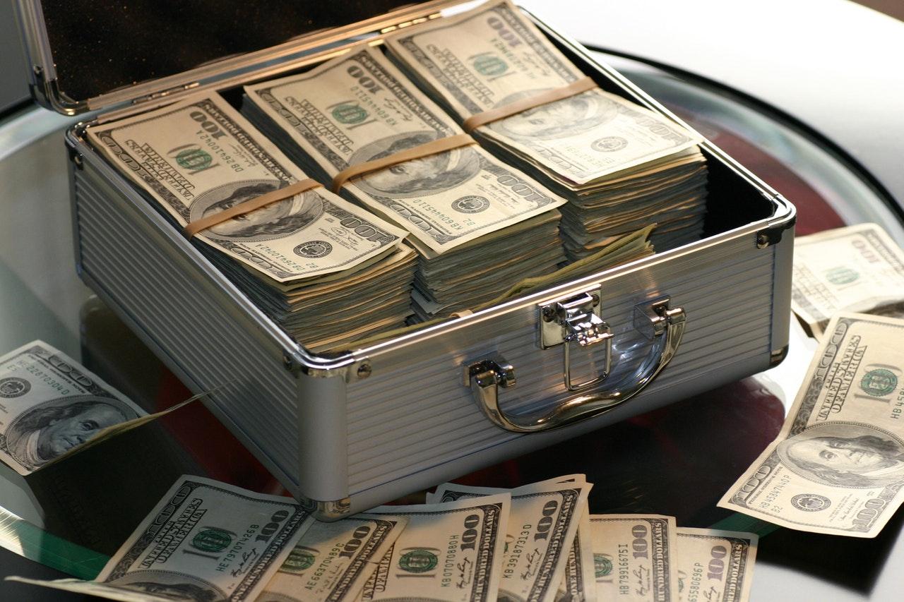 abundance-bank-banking-banknotes-259027 (1)